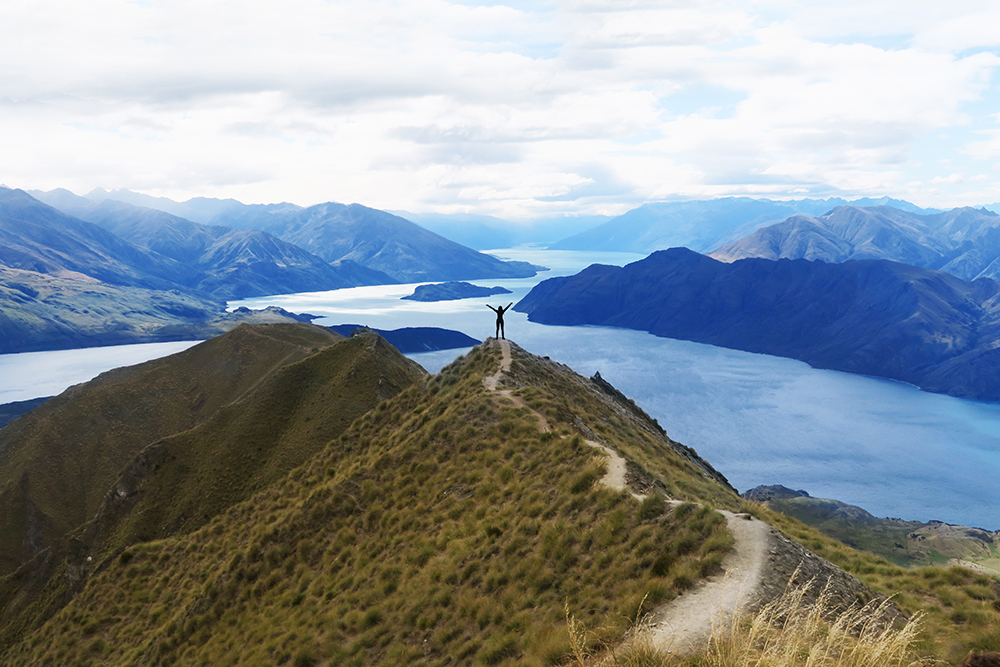 roys-peak-summit-new-zealand-wanaka