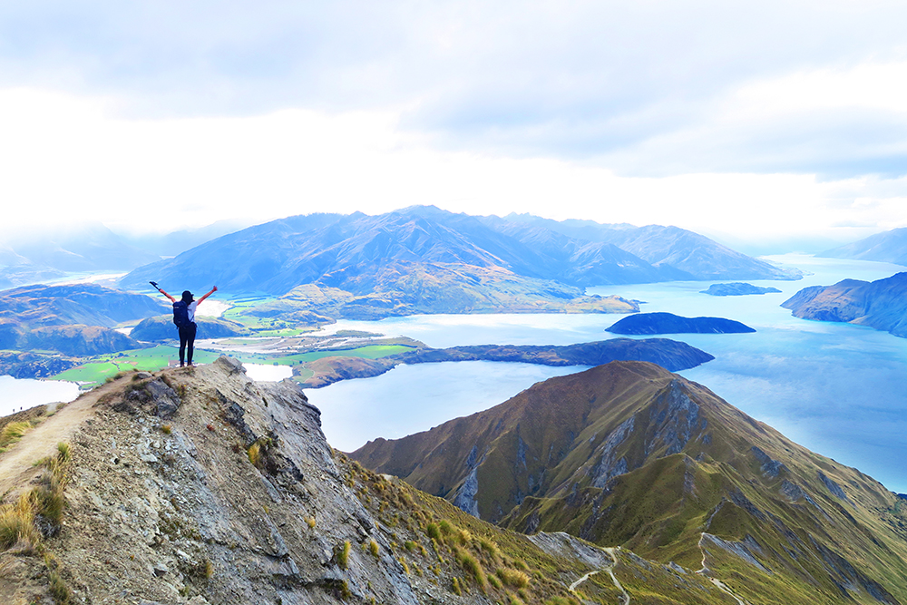 roys-peak-summit-new-zealand