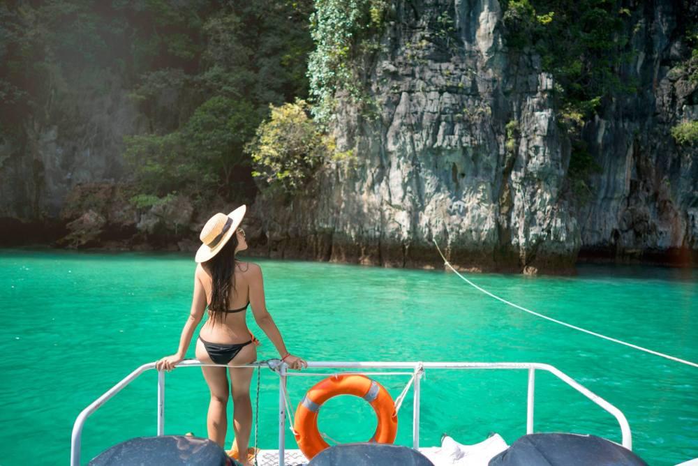 Pileh Lagoon Phi Phi Swimming.jpg