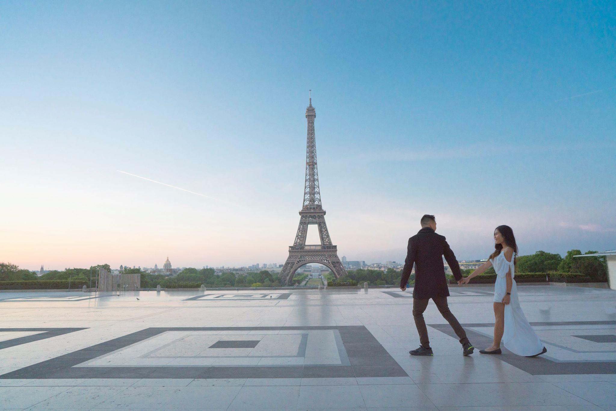 Eiffel Tower Must See in Paris