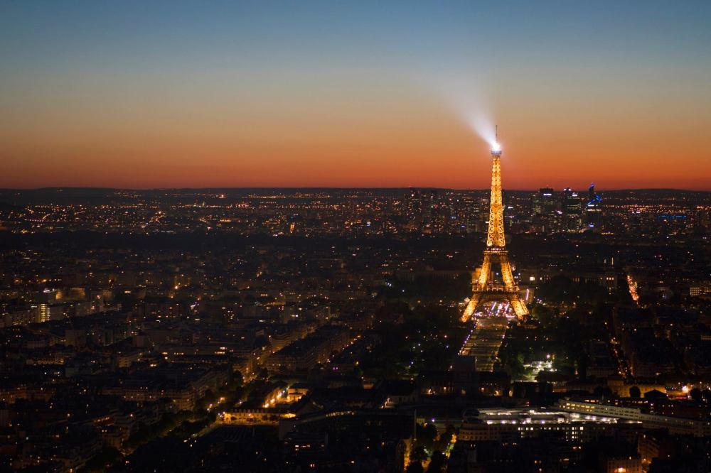 View of Eiffel Tower from 360 montmapassne.jpg