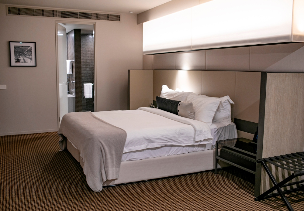 Hotel Realm Suite Room